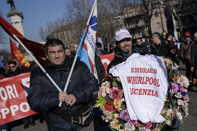 La protesta dei lavoratori dell'Embraco
