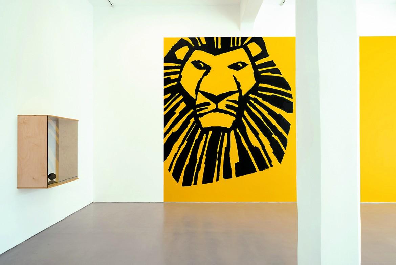 La mostra di Haim Steinbach nella galleria Magasin IIIdi Jaffa, foto Youval Hai