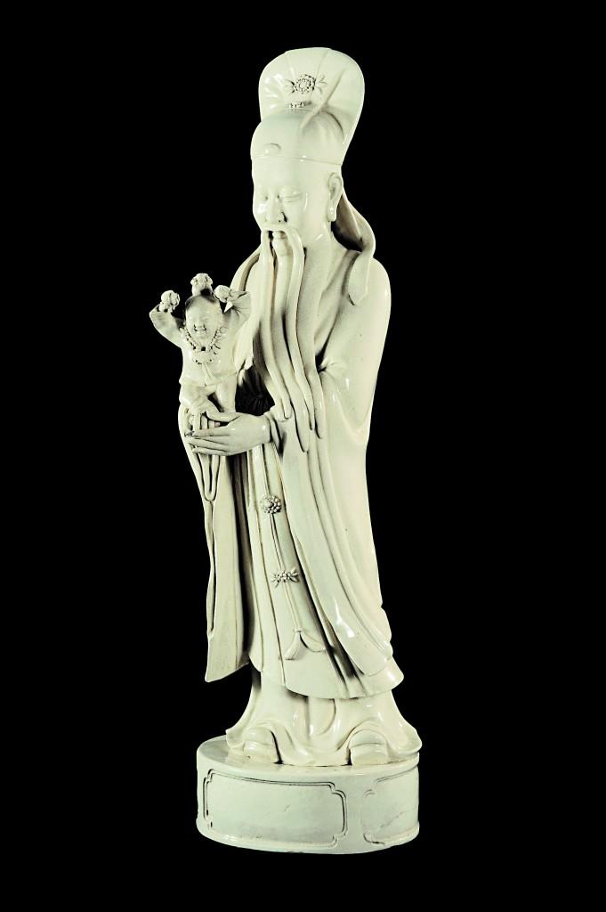 Dininità stellare della longevità Shouxing laoren, gres a invetriatura qingbai, epoca Ming (1368-1644), dalle fornaci di Dongxin, Roma, Museo Nazionale d'Arte Orientale