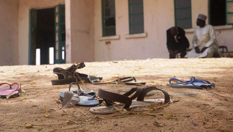 Quel che resta delle ragazze rapite nel cortile dell'Istituto tecnico femminile statale di Dapchi