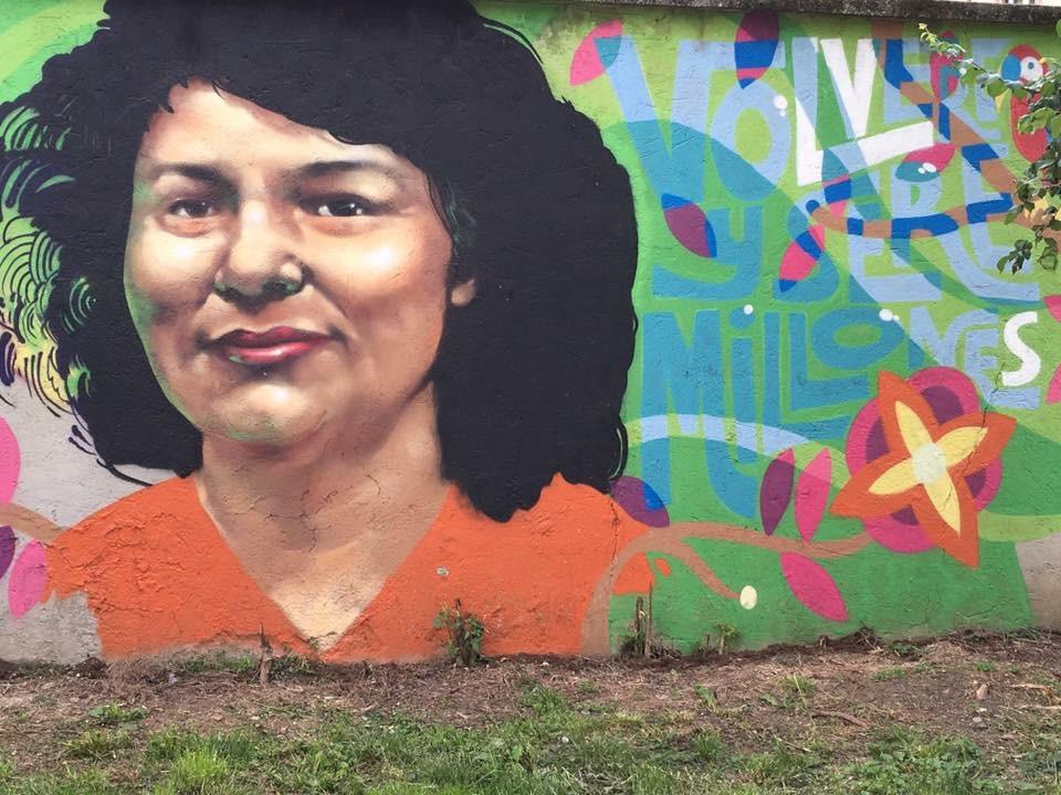 Murales che ricorda l'uccisione dell'ecologista honduregna Berta Caceres