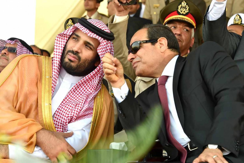 Il principe saudita Mohammed bin Salman con il presidente egiziano al-Sisi