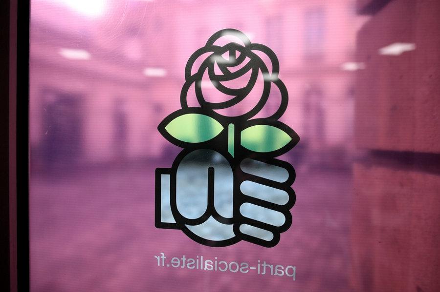 Il simbolo sulla porta del Partito socialista francese