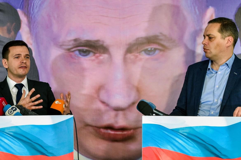 Attivisti d'opposizione a Putin