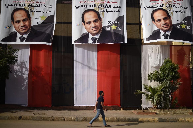 Golpe legislativo riforma in parlamento al Sisi presidente fino al 2034