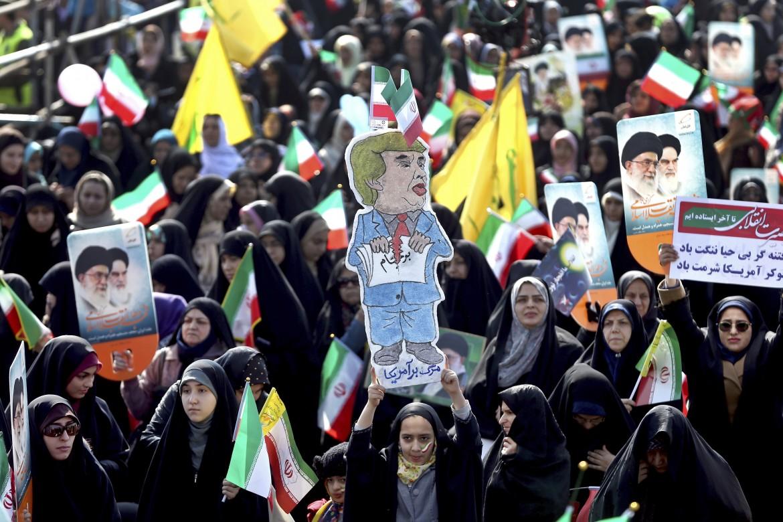 Un'immagine delle proteste contro le sanzioni Usa in Iran
