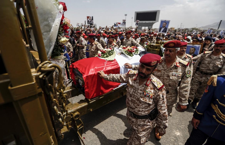 I funerali di Saleh al Sammad ieri a Sana'a