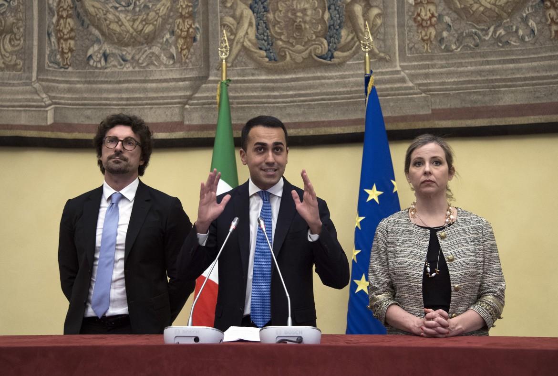 Luigi Di Maio con Giulia Grillo e Danilo Toninelli