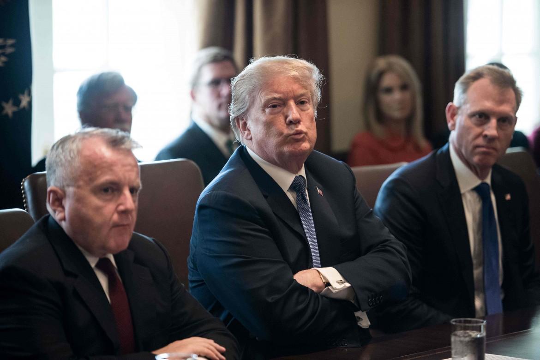 Donald Trump durante una riunione alla Casa bianca