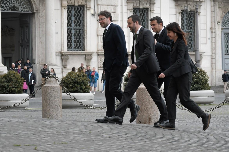 Salvini al Quirinale nella precedente consultazione; sotto Silvio Berlusconi