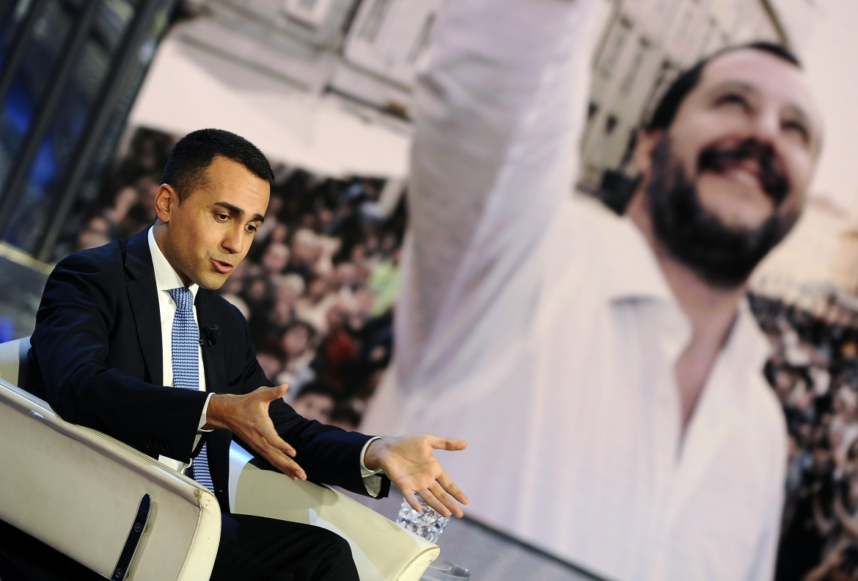 Luigi Di Maio e Matteo Salvini sullo schermo