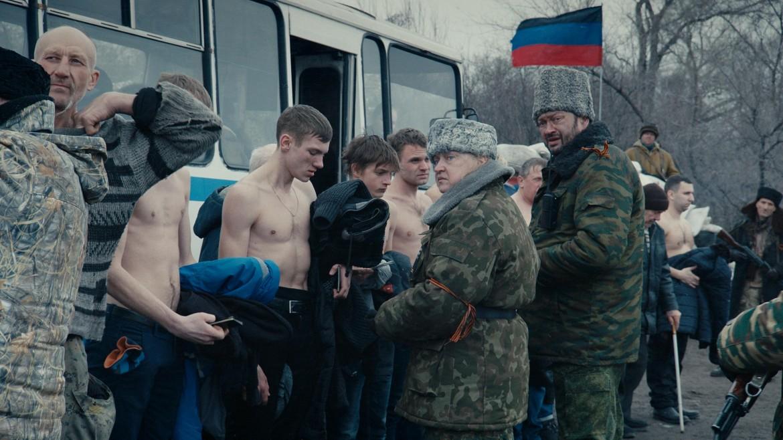 Una scena da «Donbass» di Sergei Loznitsa