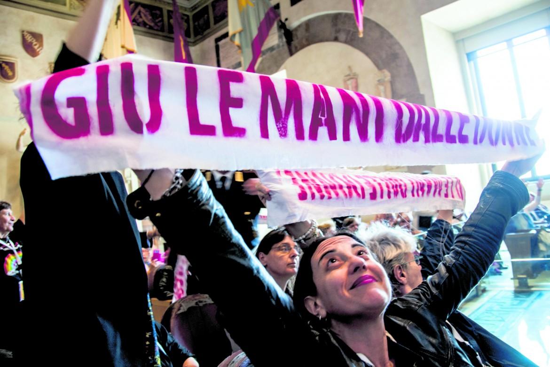La protesta nell'aula Giulio Cesare in Campidoglio