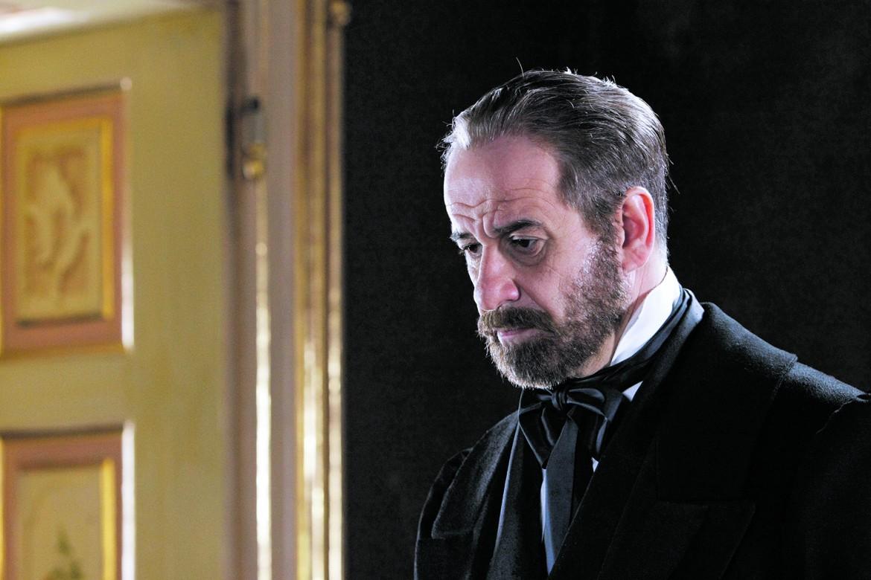 Toni Servillo interpeta Giuseppe Mazzini nel film di Mario Martone Noi credevamo, 2010