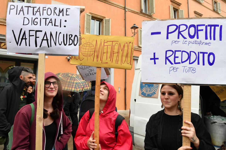 Bologna, il primo maggio 2018 dei ciclofattorini (
