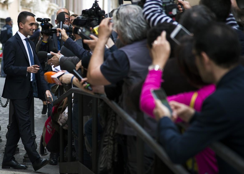 Luigi Di Maio esce dal palazzo dei gruppi parlamentari