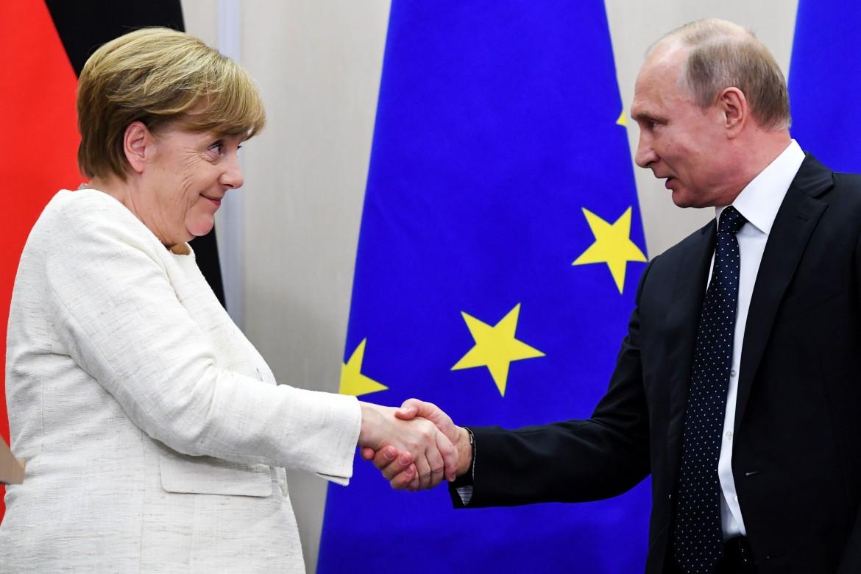 La cancelliera Merkel con Vladimir Putin
