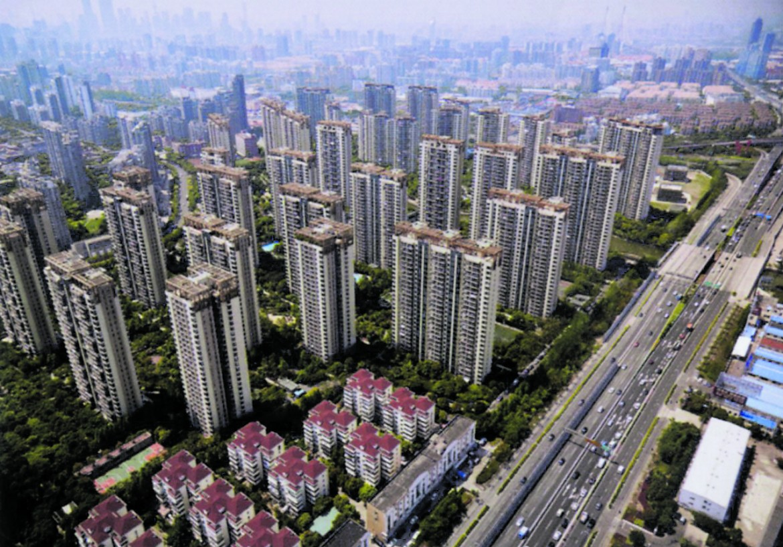 Skyline di Shanghai (Pudong versione lussuosa del Plan Vision). Sotto, New York, l'origine di Central Park (Olmsted) come parco pubblico