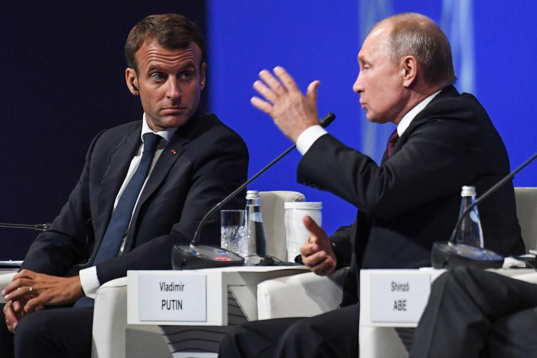 Macron e Putin a San Pietroburgo