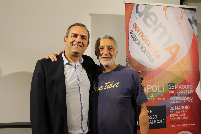 Il sindaco di Napoli Luigi de Magistris con il sindaco di Messina Renato Accorinti