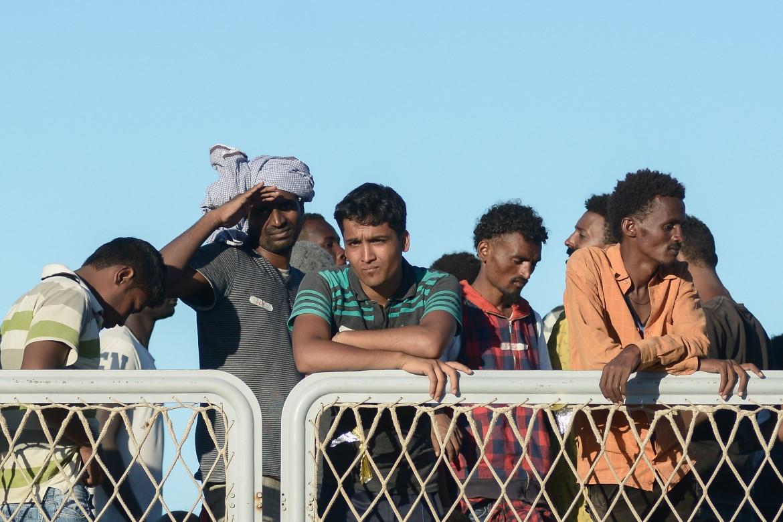 Migranti in arrivo a Palermo