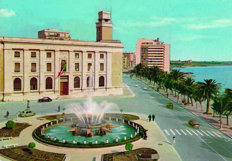 Taranto in una cartolina vintage