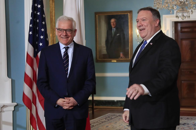 Il ministro degli esteri polacco Czaputowicz con il segretario di Stato Pompeo a Washington