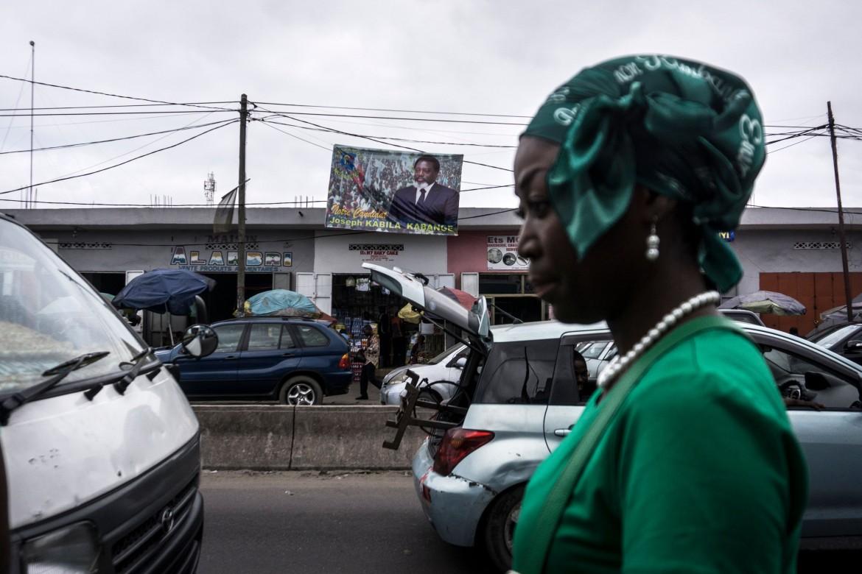 Cartellone inneggiante al presidente Kabila, «il nostro candidato», nelle strade di Kinshasa