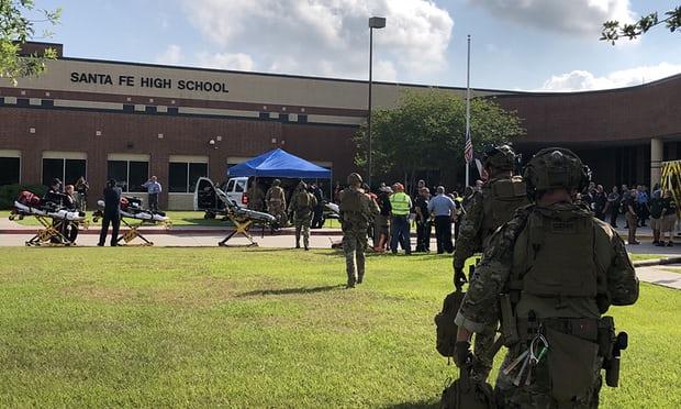 La scuola di Santa Fe dove è avvenuta la strage