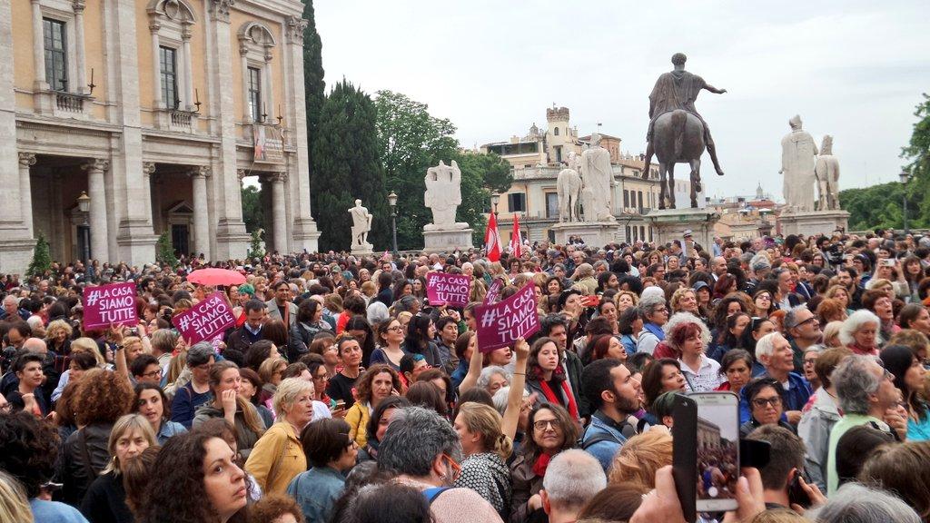 Il presidio di ieri in piazza del Campidoglio