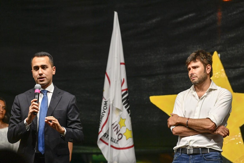 Di Battista e Di Maio a un comizio M5S a Fiumicino (Rm) dopo le dichiarazioni di Mattarella
