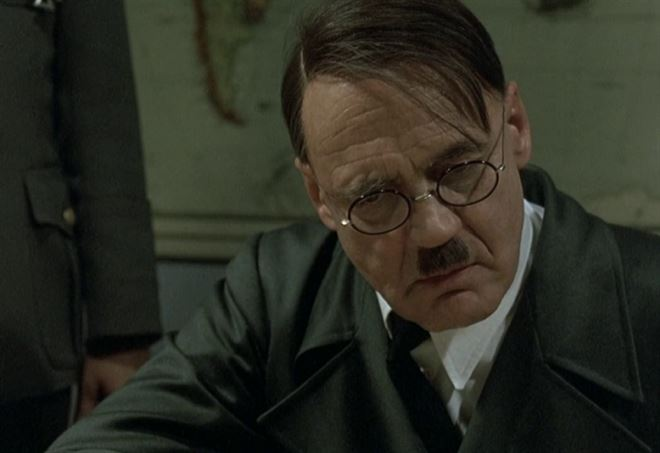 Bruno Ganz interpreta Hitler nel film «La caduta» diretto da Oliver Hirschbiegel