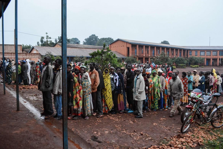 In coda per votare a Ngozi, nel nord del Burundi