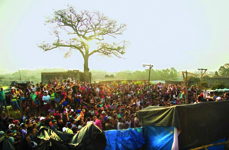 Un'assemblea dell'occupazione «Marielle Vive» a San Paolo