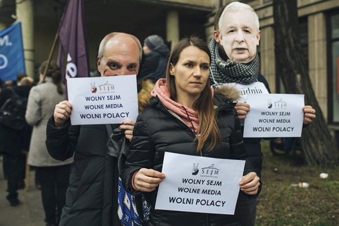 Varsavia, manifestazione per la libertà di stampa