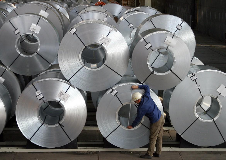 Salzgitter, nord-Germania, al lavoro nelle acciaierie della Continental Ag