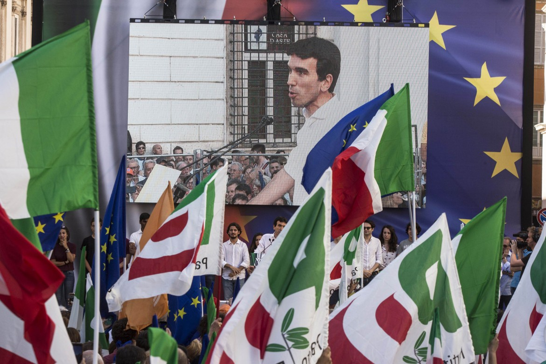 La manifestazione del Pd a Roma