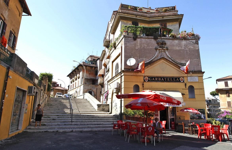 Piazza Giovanni da Triora, Garbatella