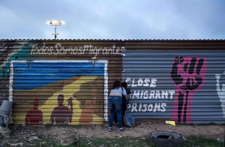 Il recinto a Tijuana tra Messico e Usa