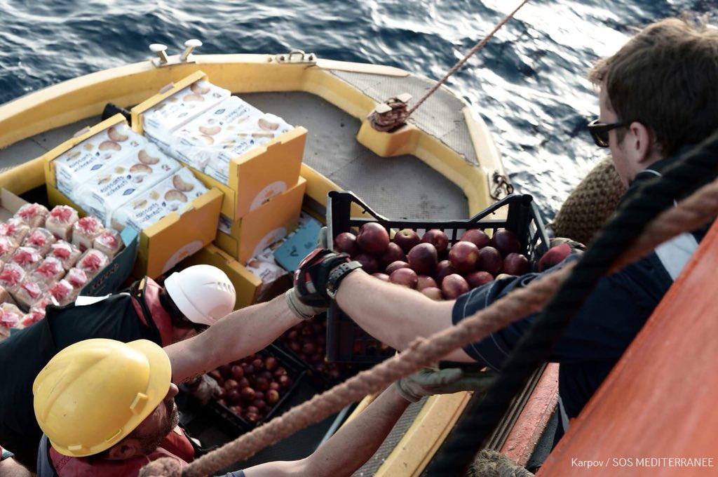 rifornimenti per la nave Aquarius per 48 ore senza attracco