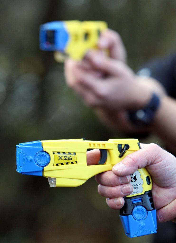 Esemplari di Taser, pistole elettriche
