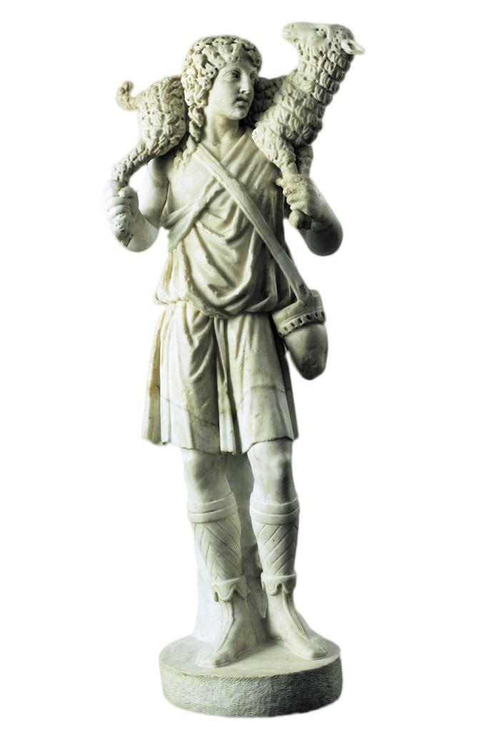 Statuetta del Buon Pastore, frammento rilavorato  da un grande sarcofago,  ca. 300, Roma,  Musei Vaticani