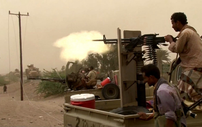 Combattimenti nella città portuale di Hodeida in Yemen