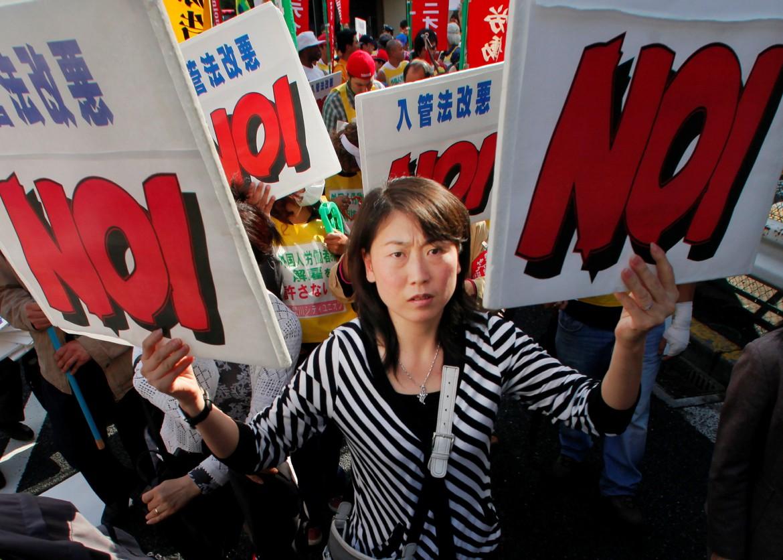 2009: stranieri residenti contro legge restrittiva su immigrazione