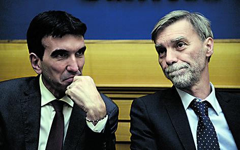 Il segretario del Pd Maurizio Martina e il capogruppo alla Camera Graziano Delrio