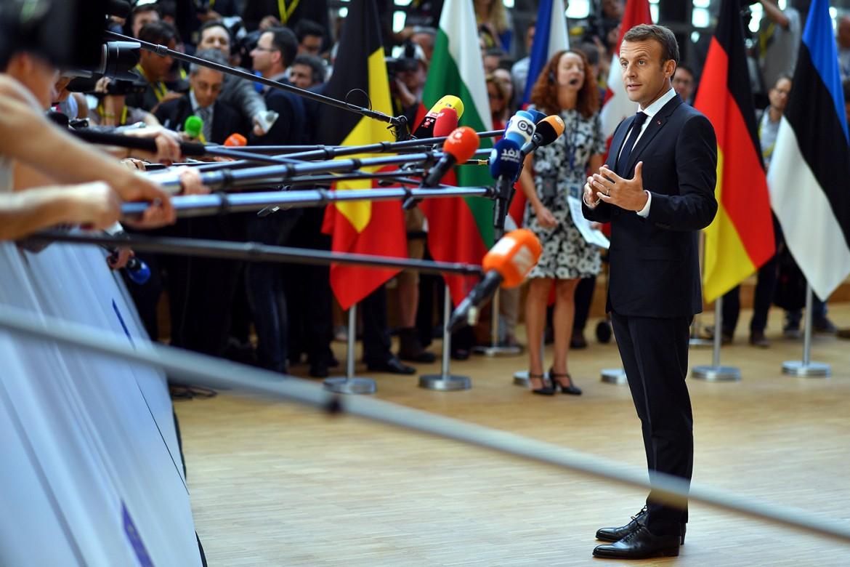 Macron durante la conferenza stampa di ieri