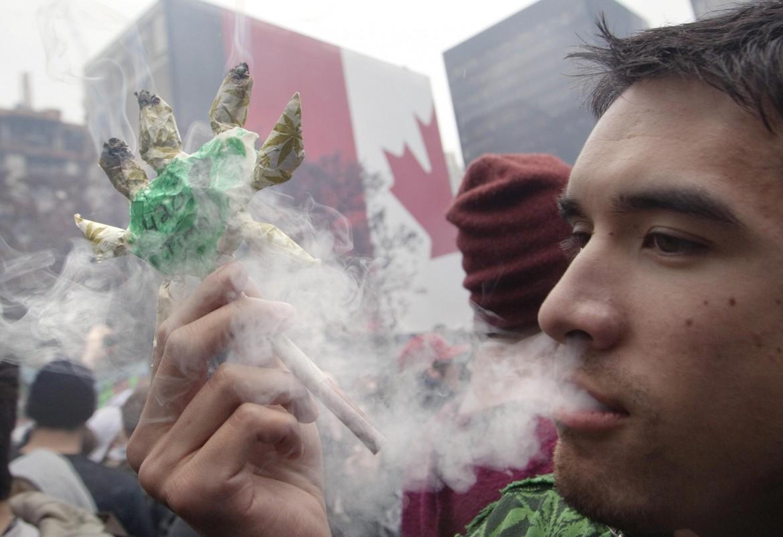 Vancouver, in piazza a sostegno  del «Cannabis Act»