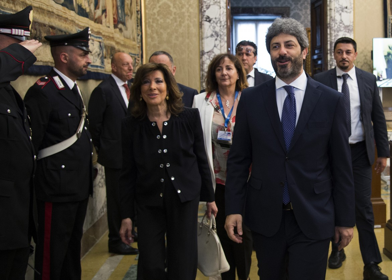 La presidente del senato Elisabetta Casellati e il presidente della camera Roberto Fico in una foto d'archivio