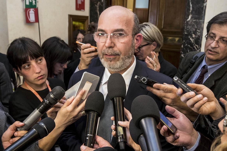Il sottosegretario all'editoria Vito Crimi (M5S)