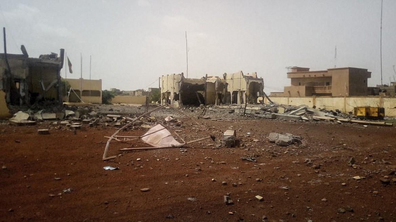 L'ingresso di Sèvaré come si presentava ieri dopo l'attacco jihadista